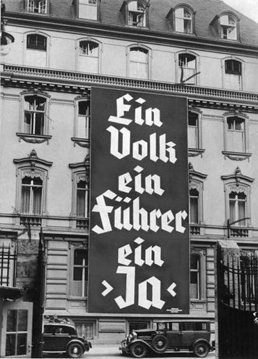 Bundesarchiv_Bild_183-K0930-502,_Wahlplakat_der_NSDAP_zur_Reichstagswahl